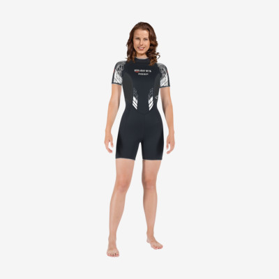 Product overview - Reef Shorty - She Dives
