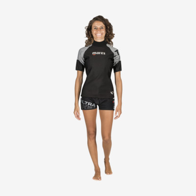 Product overview - Ultra Skin - Short Sleeve - She Dives